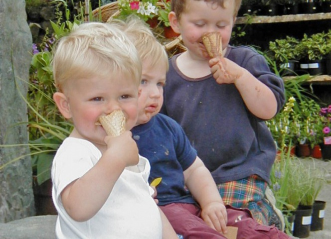 Kids in the Croust House yard, that's the way to enjoy an ice cream.